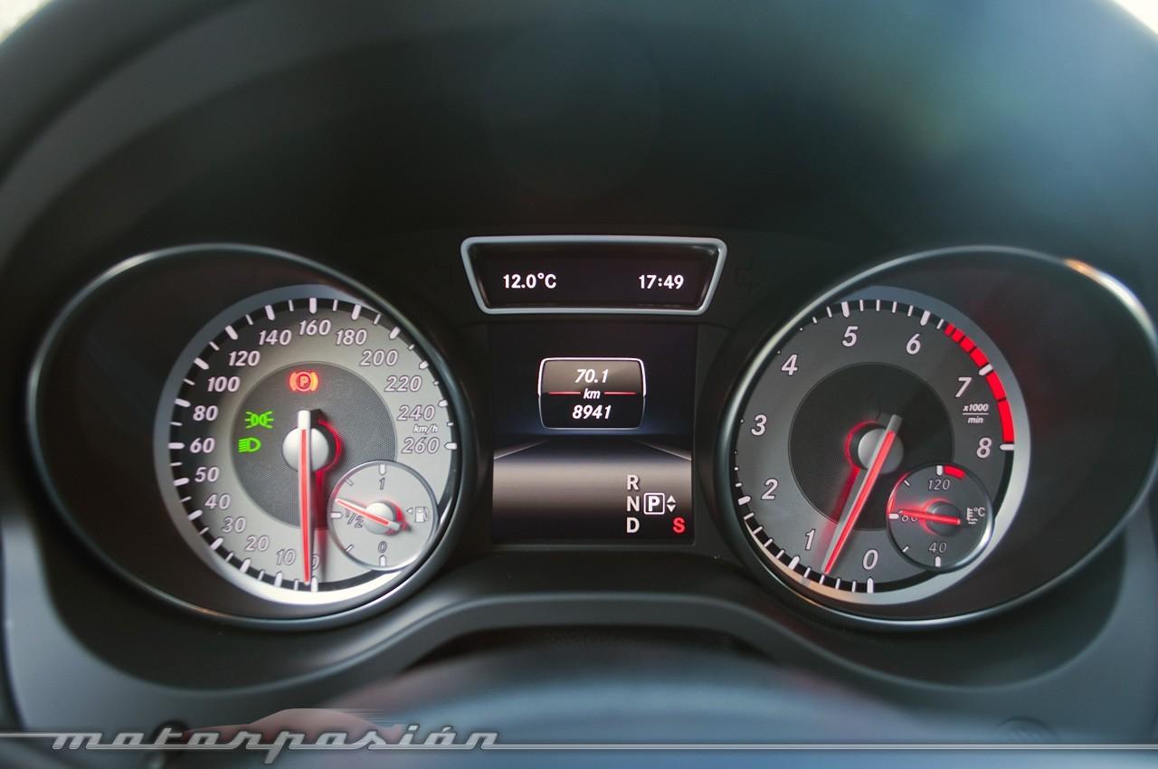 Foto de Mercedes-Benz Clase CLA (presentación) (18/40)