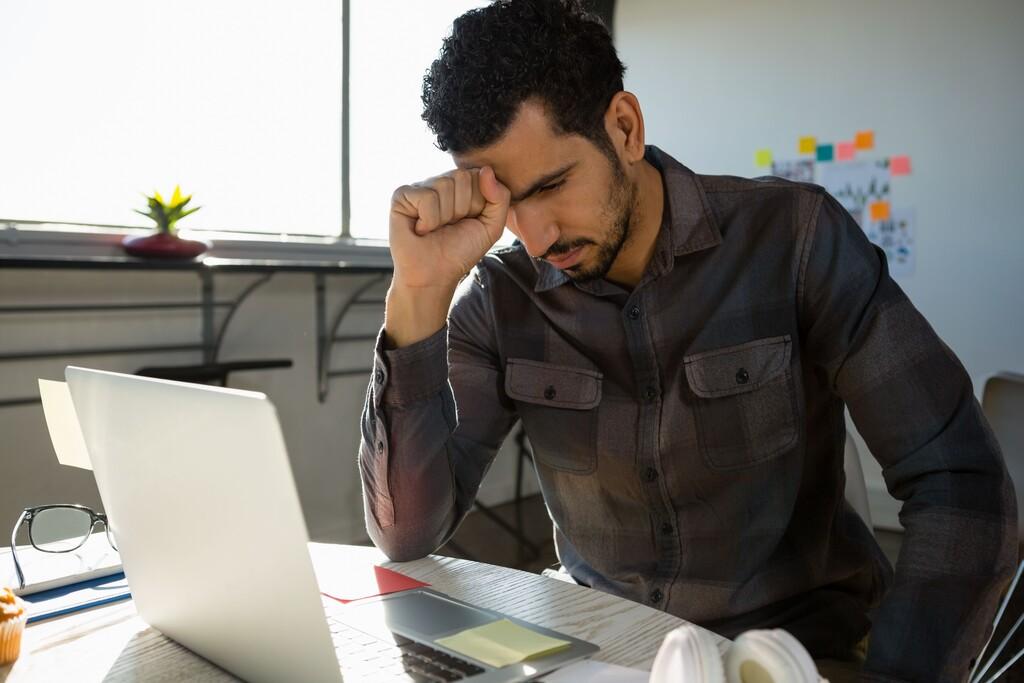 El home office provocó que uno de cada dos trabajadores en México tenga algún trastorno mental, por no poder desconectarse: UNAM