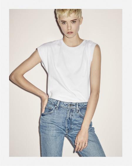 Zara vuelve a demostrar su compromiso con el medio ambiente, así es su colección denim fabricada a partir de jeans reutilizados
