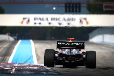 Renault también prueba su nuevo V6 Turbo en pista