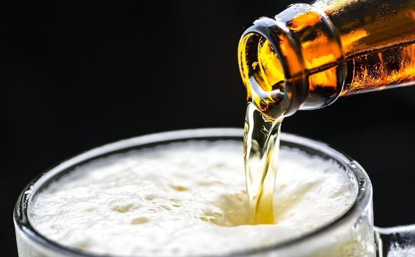calorías de cerveza con limón
