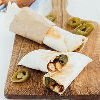 Burritos de pollo con queso: receta mexicana fácil