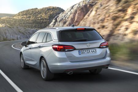 Opel Astra Sports Tourer 2016 40