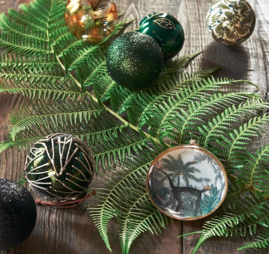 Adornos para colgar de vidrio con impresión tropical