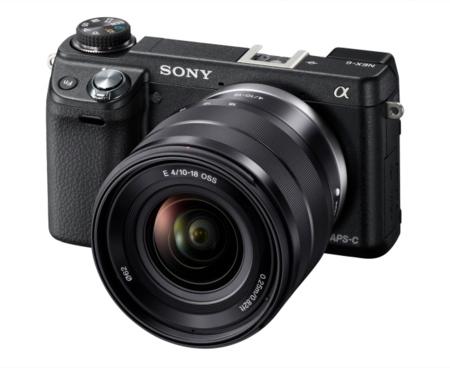 Sony NEX-6 con objetivo montado