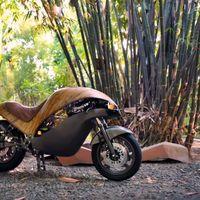 Esta moto eléctrica filipina tiene una autonomía de 50 km, ¡y está hecha de bambú!