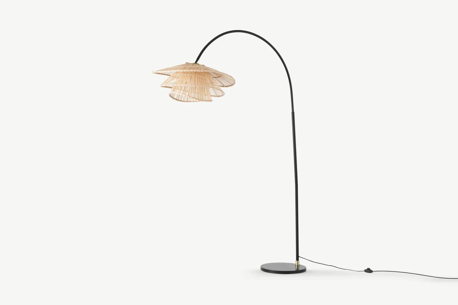 Lámpara de exterior trenzada con bambú