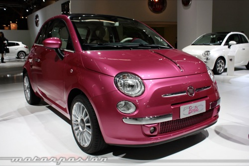 fiat 500 barbie lo m s llamativo del sal n de barcelona. Black Bedroom Furniture Sets. Home Design Ideas