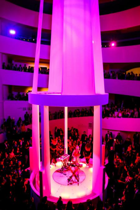 Dior patrocina por 3 año la Gala Guggenheim con una performance a cargo de Grimes