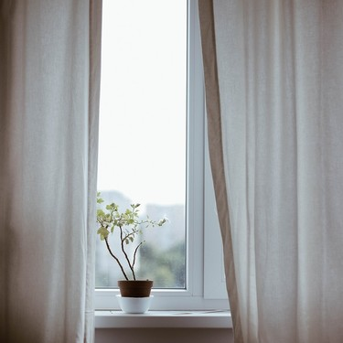 Ikea diseña unas cortinas capaces de purificar el aire y que vendrán de perlas para reducir la contaminación