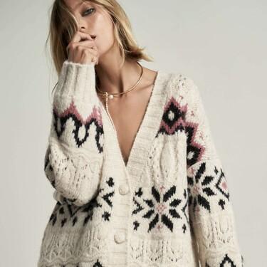 La nueva colección de chalecos, jerséis y cárdigans de Zara te hará olvidar (momentáneamente) de las rebajas