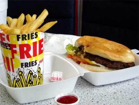 La comida basura sin salsas ni refresco es menos comida basura