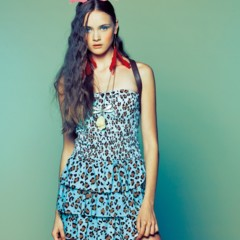 Foto 6 de 22 de la galería bershka-lookbook-de-abril-primavera-2011-mas-color-en-las-tiendas en Trendencias