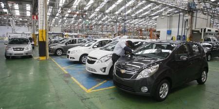 Cae la venta de automóviles en Colombia: el IVA y los altos precios serían los responsables