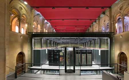 MareNostrum 4: así es el espectacular supercomputador encerrado en una capilla