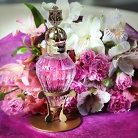 Dejando (ya) atrás el invierno con el perfume Killer Queen Oh So Sheer de Katy Perry