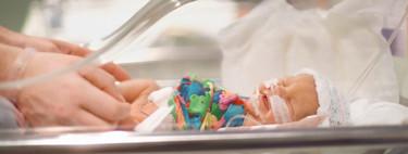 El Clínic instala cámaras en la UCI de neonatos para que los padres puedan ver a sus bebés prematuros las 24 horas