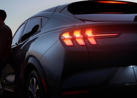 Ford Mustang Mach E 4