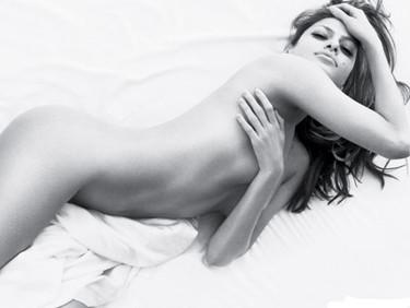 Eva Mendes censurada por ser demasiado sexy