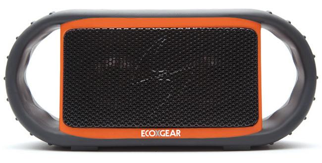 ECOXBT es el altavoz inalámbrico resistente al agua y que flota, ideal para tu piscina