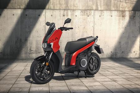 La moto eléctrica de SEAT comienza su producción y ya está disponible desde 6.250 euros