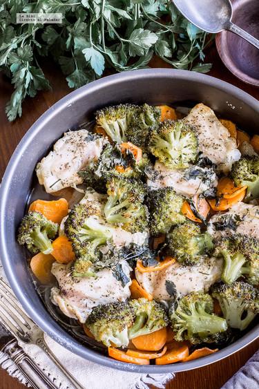 Muslitos de pollo con brócoli al horno. Receta saludable