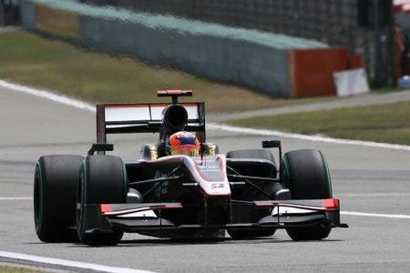 Colin Kolles admite que tener dos pilotos novatos es una gran desventaja