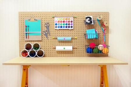 Una buena idea: haz tú mismo una mesa de trabajo para los niños