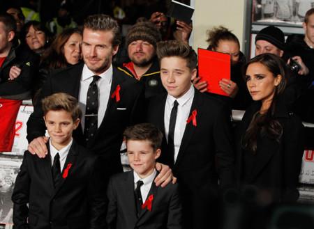La familia Beckham celebra su fiesta en negro (y sin vértigo)
