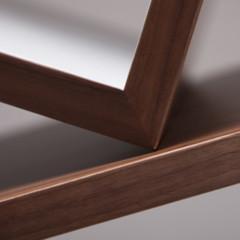 Foto 3 de 7 de la galería equilibrium-una-estanteria-que-desafia-la-ley-de-la-gravedad en Decoesfera