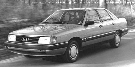 Por qué fracasó el Audi 5000 en EEUU?