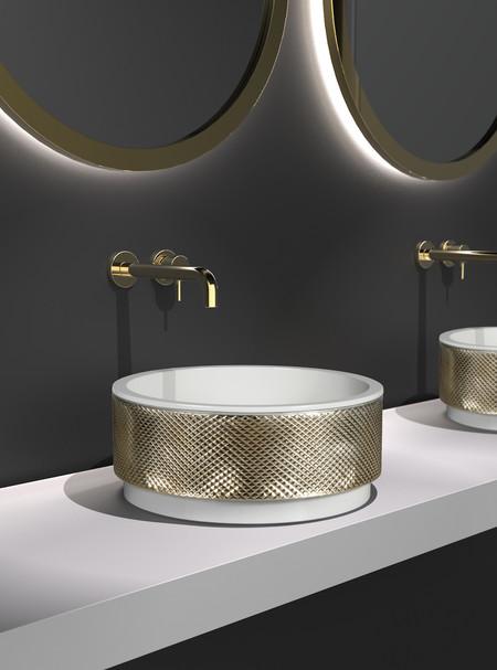 Pigmentos y resinas de vidrio para lograr un acabado lujoso en el cuarto de baño