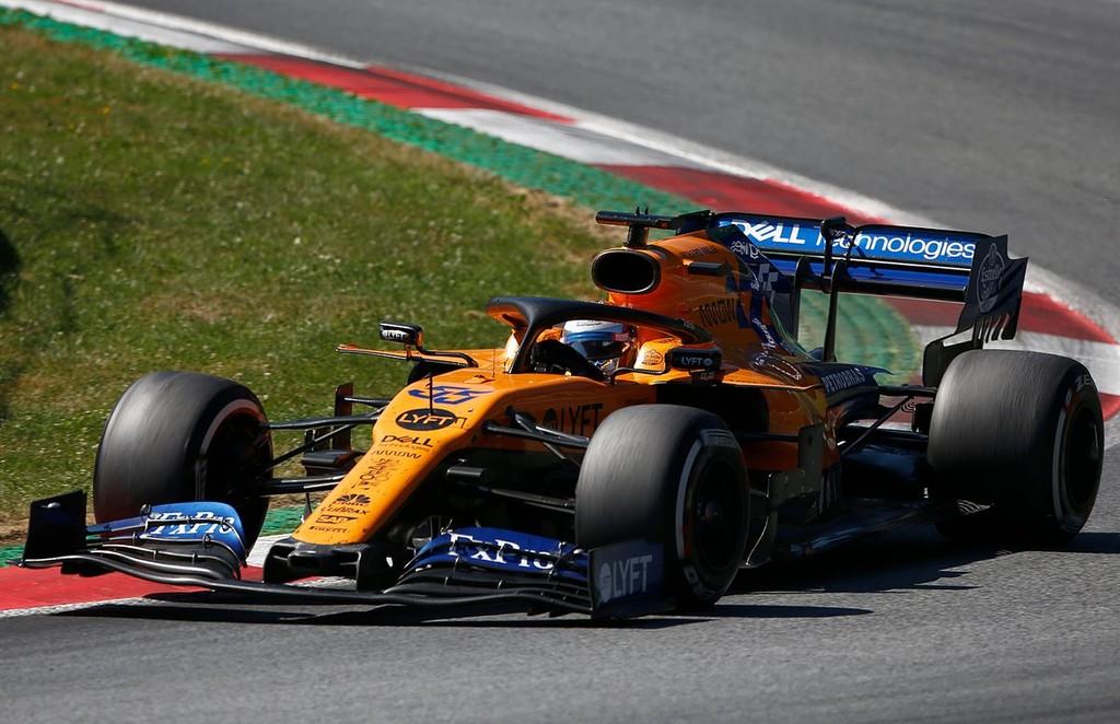 La remontada oculta de Carlos Sainz: adelantó once posiciones hasta el octavo pero no salió en pantalla