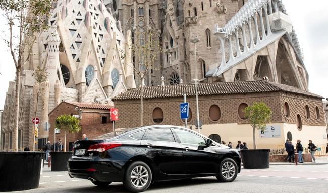 """""""Bienvenidos al infierno"""": primeras reacciones de los taxistas ante la llegada de Uber a Barcelona"""