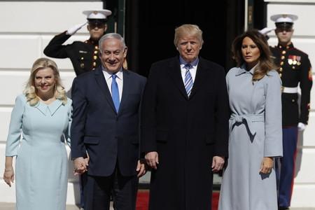 Melania Trump es la reina de los abrigos ¡queremos el de su último look!