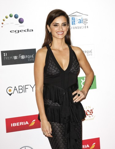Penélope Cruz sosa y aburrida en los Premios Forqué 2016