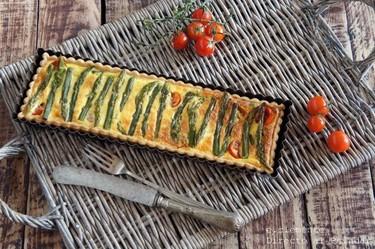 Tarta de espárragos verdes y queso Gruyère