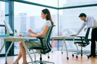La importancia de un puesto de trabajo adecuado para evitar problemas físicos