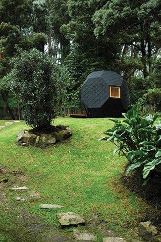 Casita de jardín de lujo: el Poliedro habitable de Manuel Villa