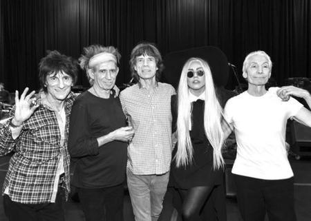 Lady Gaga lo da todo y más con sus satánicas majestades