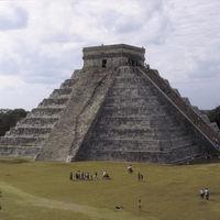 Arqueólogos mexicanos comienzan a excavar la cueva que conduciría al inframundo maya en Chichén Itzá