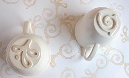 Tazas con base decorada