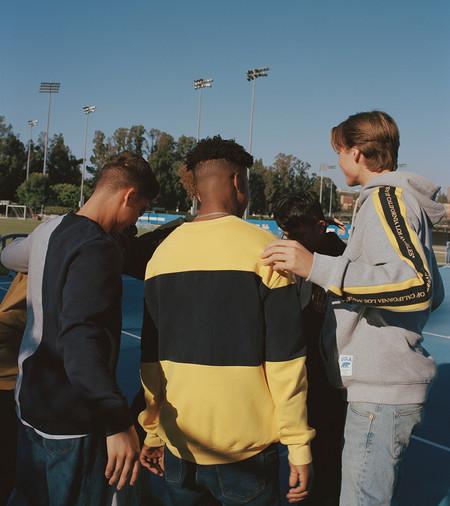 La Universidad De California Y Pull Bear Juntas En Una Coleccion De Basicos Deportivos Para El Invierno