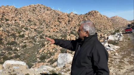 """AMLO contra la energía eólica: generadores """"afectan el paisaje"""" y no se permitirán """"nunca más"""" en México"""