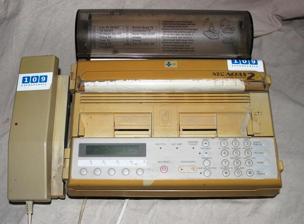 El fax se resiste a morir: el abuelo de las telecomunicaciones sigue sacando novedades y aún se usa en muchas empresas