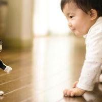 Sharp decidió transformar uno de sus teléfonos en un pequeño robot de compañía: RoboHon