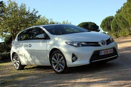 Al volante del nuevo Toyota Auris Híbrido. Regreso a Motorpasión Futuro