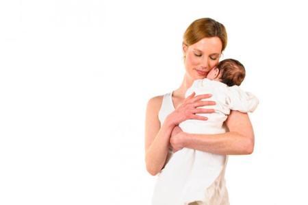 Llevar al niño en brazos