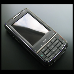 Asus Pegasus Pocket PC Phone con GPS