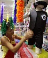 Ojo con la policía en el Carnaval de Río de Janeiro